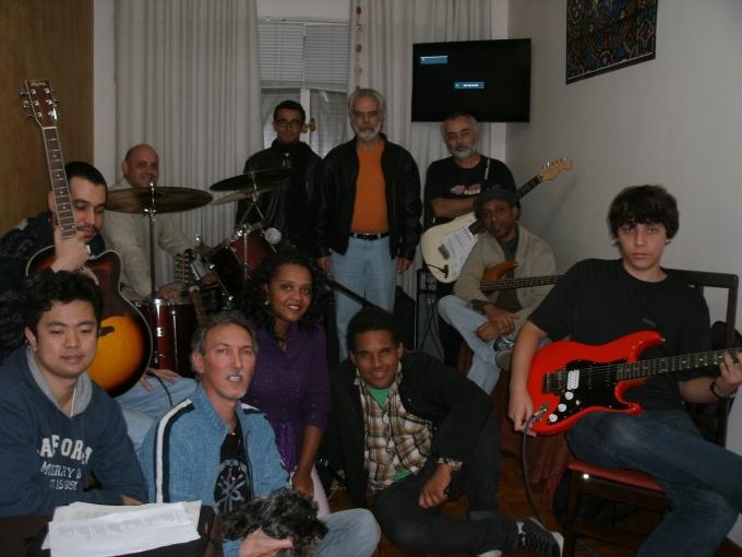 Esta foi a primeira formação da HAB. Quase todos estes músicos, grandes amigos,  deixaram a banda. Em breve postaremos a atual formação!